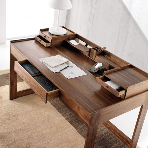 Desk in solid walnut wood