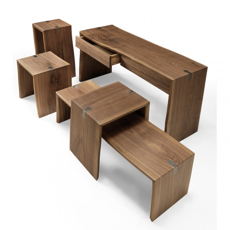 Accessory for the living room in solid walnut or oak