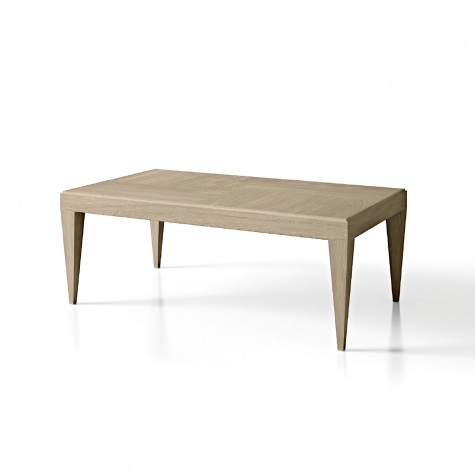 Coffee table with structure in oak