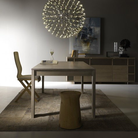 Rectangular table in solid walnut or oak with extensions