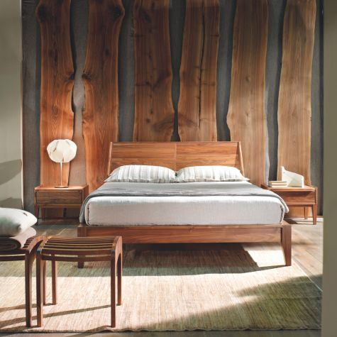 Bed in solid walnut