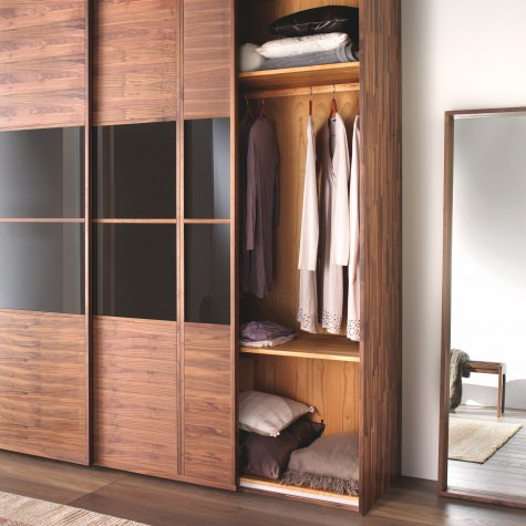 Wardrobe in solid walnut or oak with 2 sliding doors