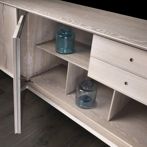 Credenza in noce massello o rovere massello con basamento Light