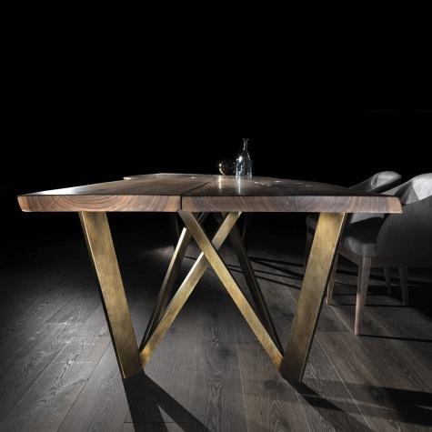 Tavolo Vero con gambe in metallo Prisma